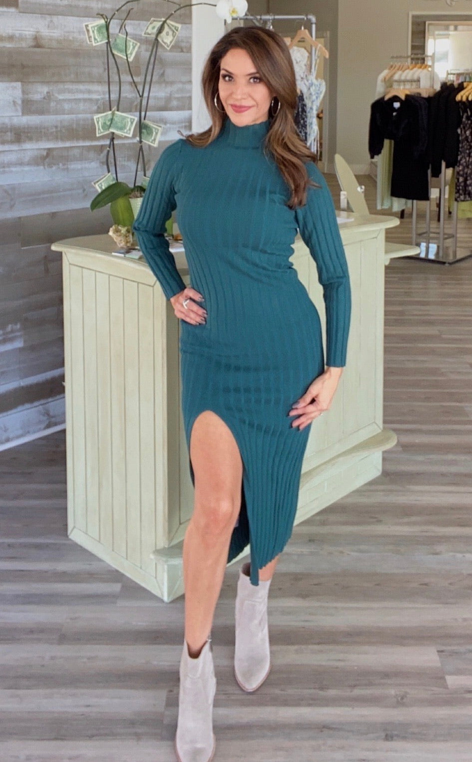 FOREST GREEN KNITTED TURTLENECK DRESS