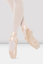 Load image into Gallery viewer, Bloch TRIOMPHE Pointe Shoe