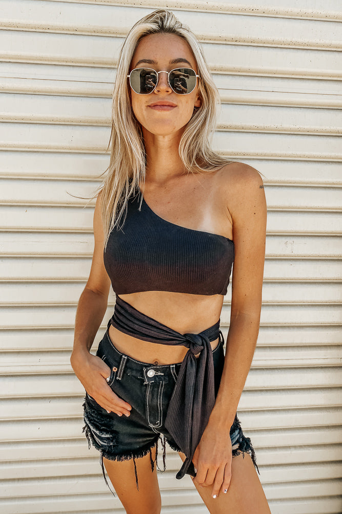 Carly One-Shoulder Crop- Black RIBBED