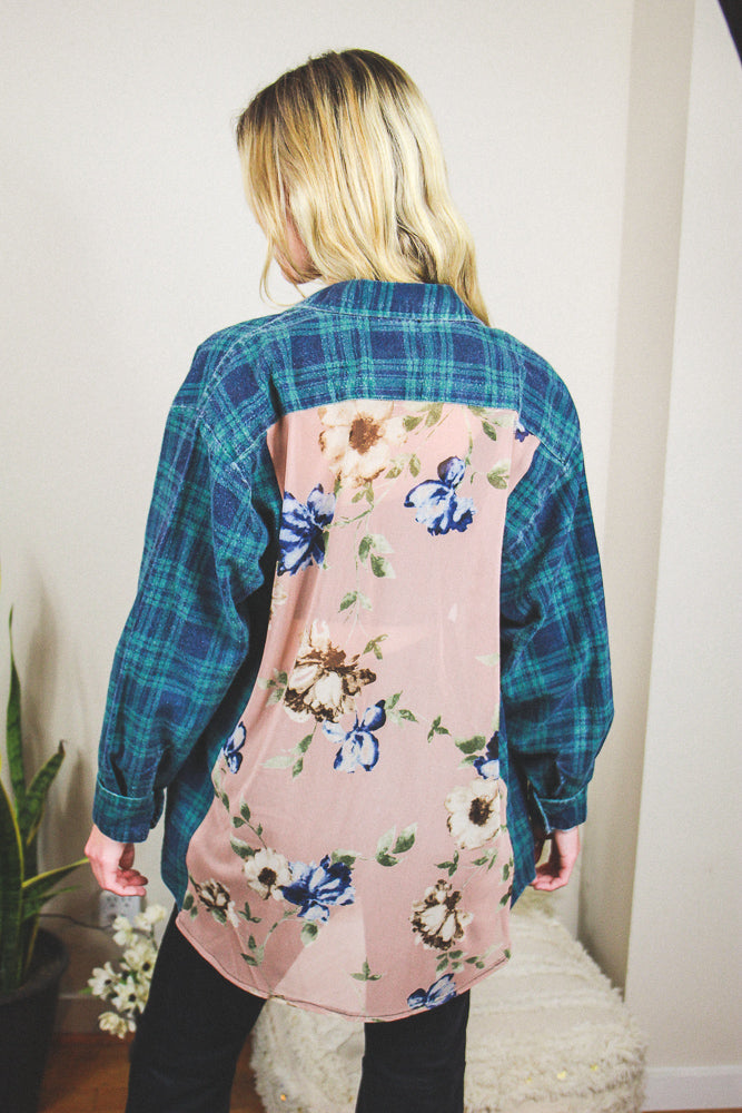 Forget Me Not Floral Back Flannel #13