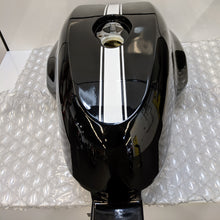 Load image into Gallery viewer, Ducati Sport Classic GT1000 Used Gas Tank 58611631BT
