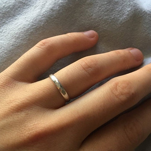 Hammered silver band - Wedding Band | Mineovermatter Designs