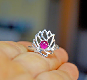 Delicate Lotus Ring | Mineovermatter