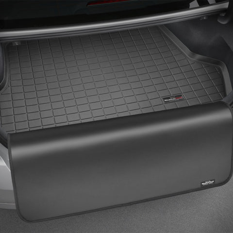 WeatherTech 16+ BMW 7 Series Sedan Cargo Liner w/ Bumper Protector - Black (w/ No Spare Tire)