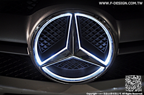 Future Design Carbon Car Led Emblem Badges Illuminated Star Front Rear Car Light For Mercedes Benz A-Class C-Class CLA-Class
