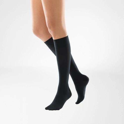 A black colour compression stockings. It is one of Bauerfeind Australia's best compression stockings, VenoTrain Knee High Compression Stockings (Black).