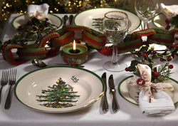 How to create a beautiful Christmas table setting