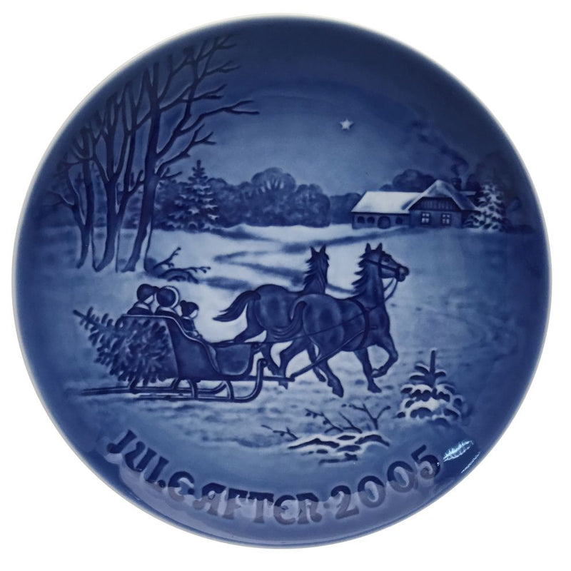 Bing & Grondahl Christmas Plate 2005 - Bringing Home The Christmas Tree