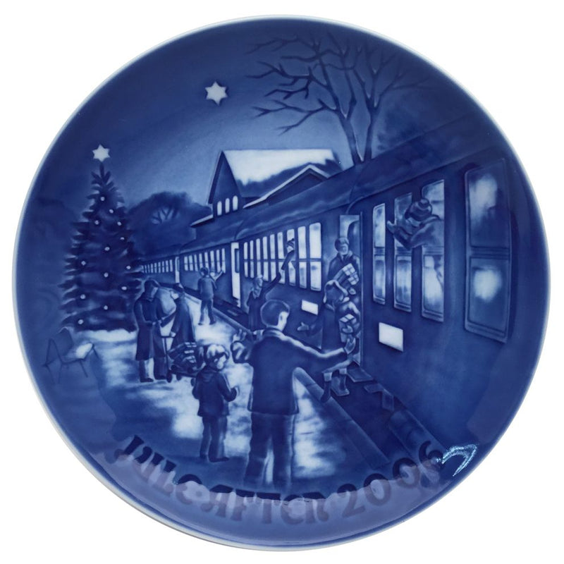 Bing & Grondahl Christmas Plate 2006 - Welcoming Guests For Christmas