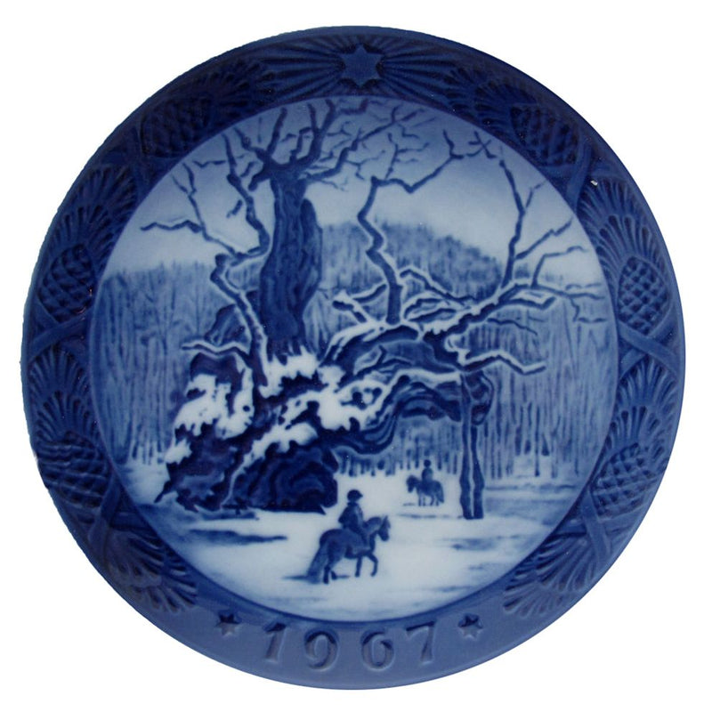 Royal Copenhagen Christmas Plate 1967 - The Royal Oak