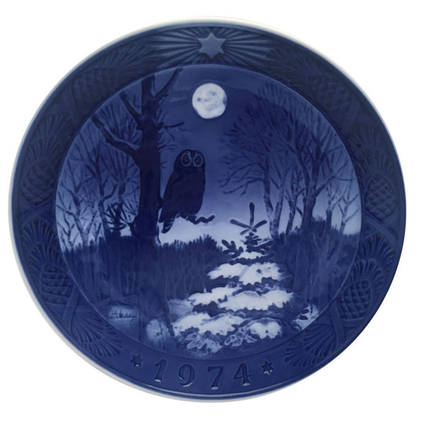 Royal Copenhagen Christmas Plate 1974 - Winter Twilight