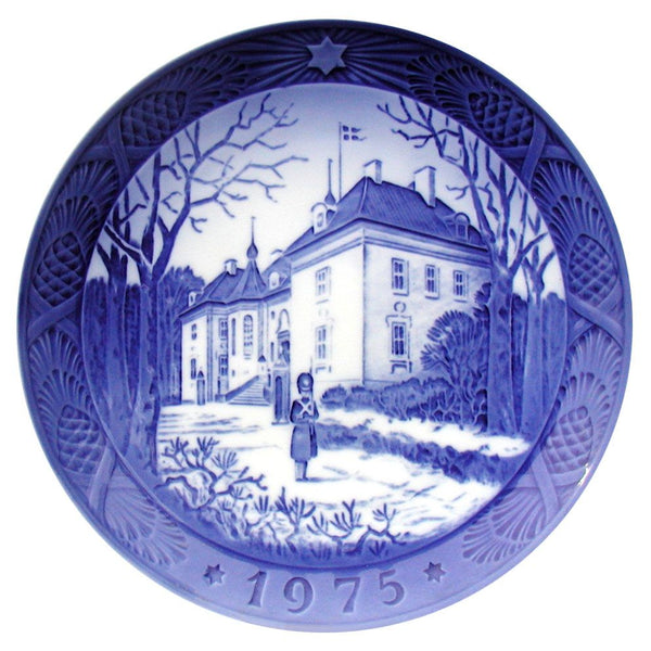 Royal Copenhagen Christmas Plate 1975 - Marselisborg Palace