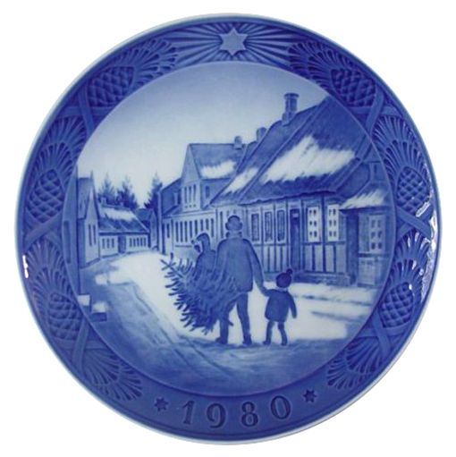 Royal Copenhagen Christmas Plate 1980 - Bringing Home the Christmas Tree
