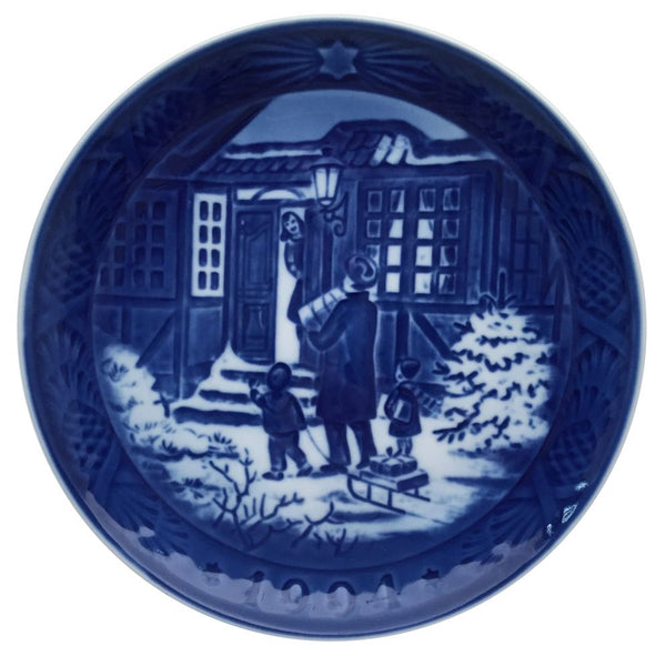 Royal Copenhagen Christmas Plate 1994 - Christmas Shopping