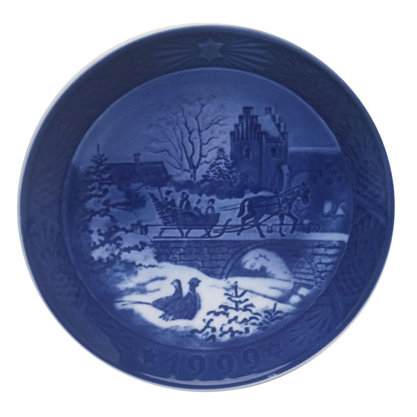 Royal Copenhagen Christmas Plate 1999 - The Sleigh Ride
