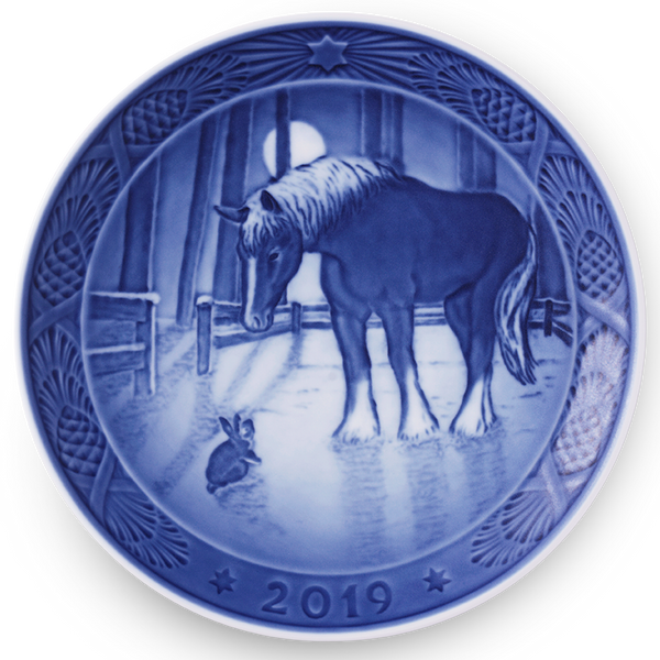 Royal Copenhagen Christmas Plate 2019 - Meeting in the Paddock