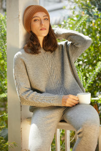 Single Cable Superfine Merino Pullover