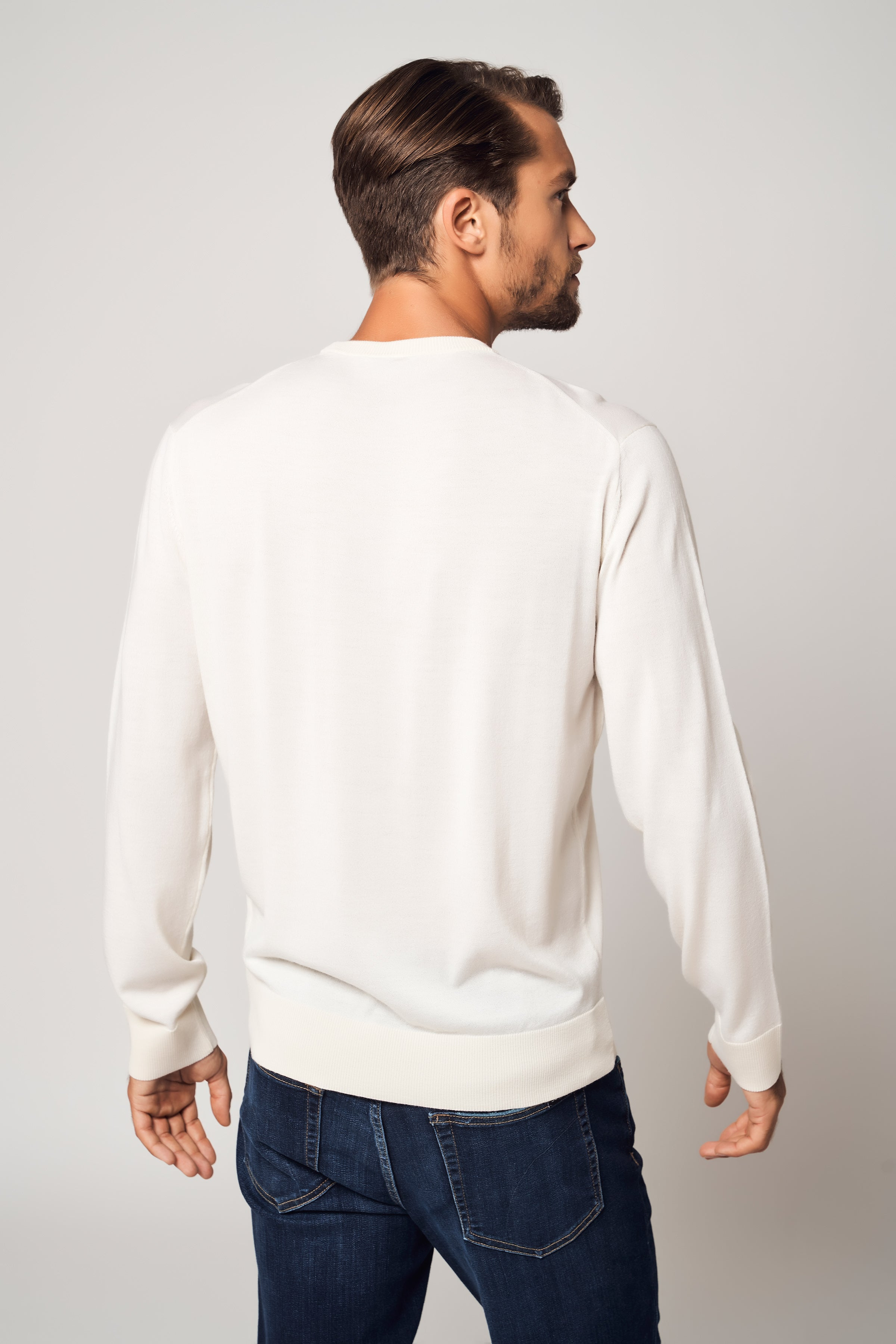 100% Worsted Cashmere Crew Neck Sweater