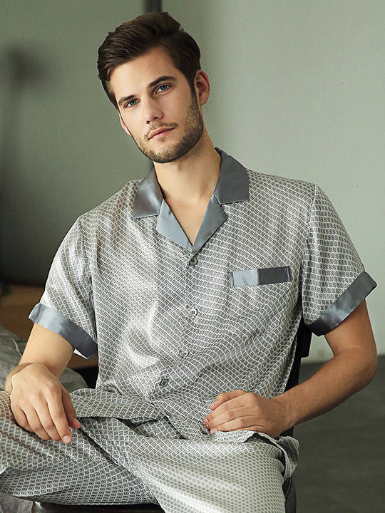 Classic Short Sleeves Notch Collar Silk Pajamas For Men