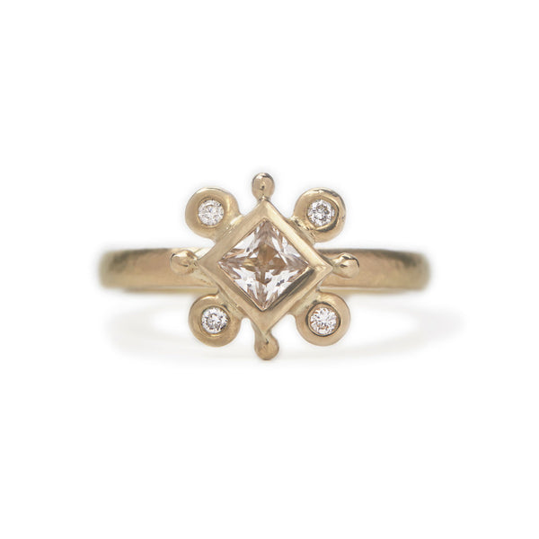 Olivia Ring - 18ct Gold, Diamonds & Sapphire