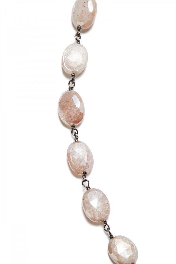 Canyon - Mystic Peach Moonstone Oval