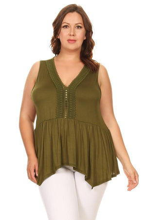 Plus Size Solid Sleeveless Top