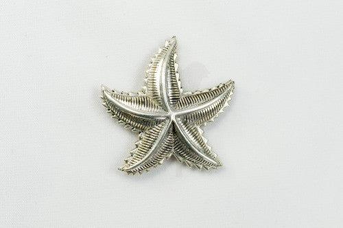 Magnetic Brooch - Silver tone metal starfish