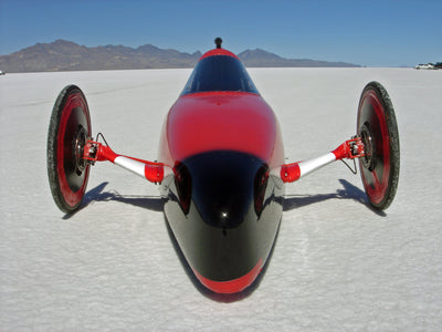 Streamliner sets land speed record on Salt Flats at Boneville, UT