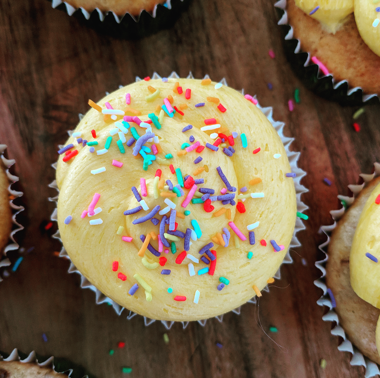 Easy Banana Celebration Cupcakes