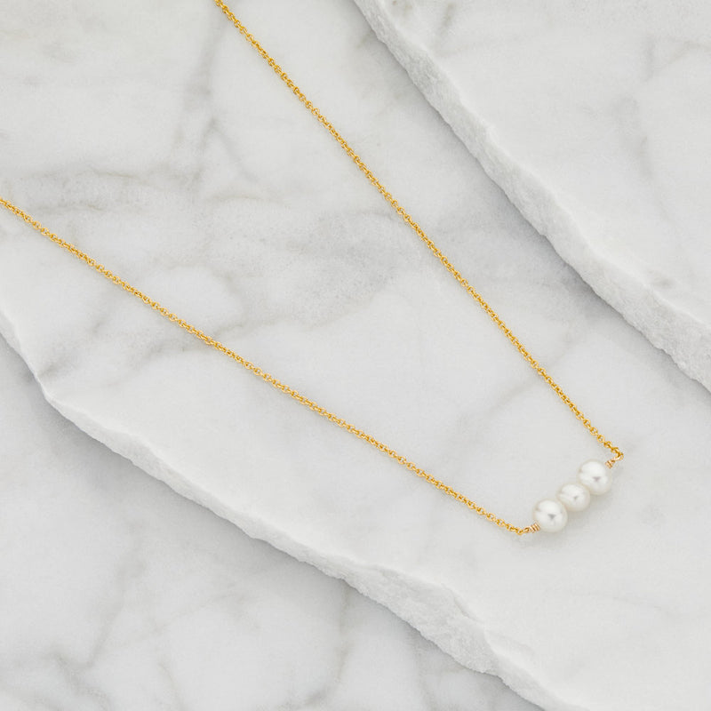 Gold Cluster Pearl Choker
