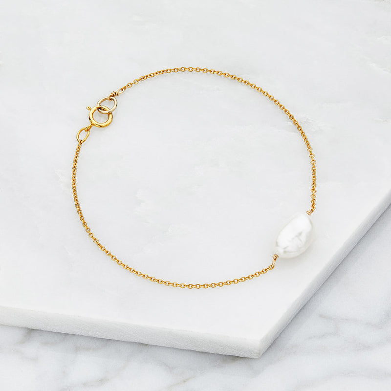 Gold Large Pearl Bracelet