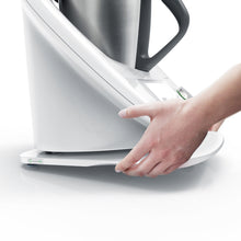 Laden Sie das Bild in den Galerie-Viewer, ThermoSlider® M | V2 Plus | Alpine White | Premium-Gleitbrett für Thermomix TM6/TM5
