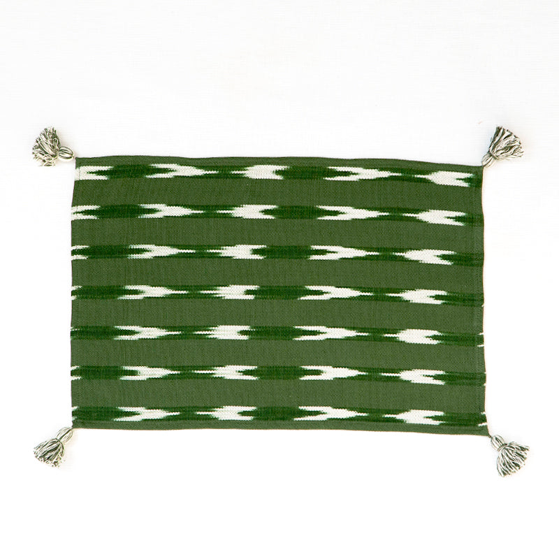 Green placemat with tassels