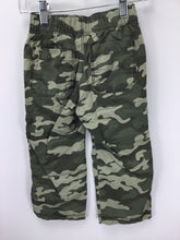 Load image into Gallery viewer, Old Navy Child Size 2 Green Camoflage Pants - boys