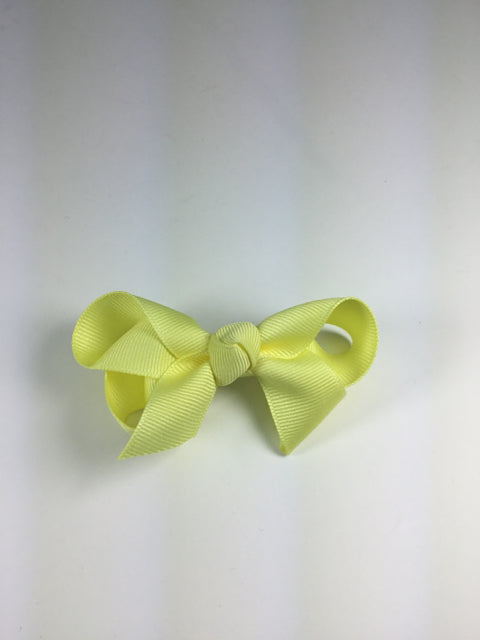 Medium Solid Light Yellow Cuteypie Clips