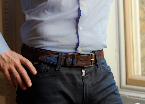 Where to buckle up a belt with tip detail