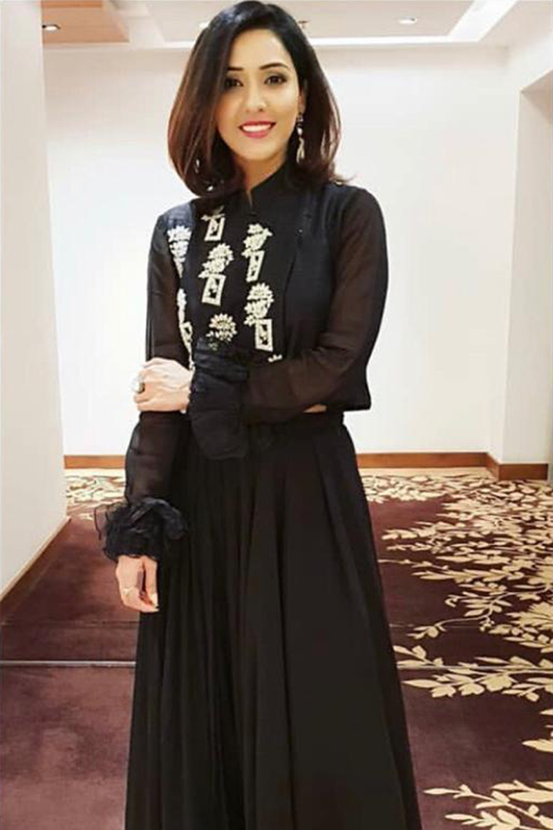 Neeti Mohan in Black Embroidered Sumo Jacket With Pant