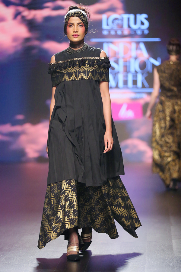 Black Batik Dress With Band