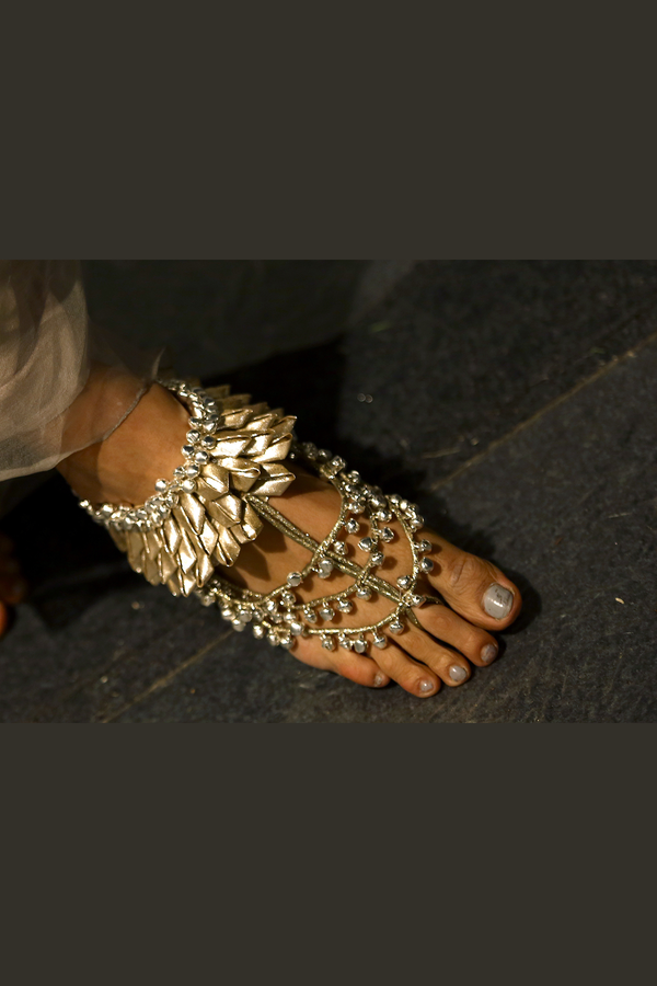 Handcrafted Anklets With Metal Color Fabric And Ghungroo (single piece)