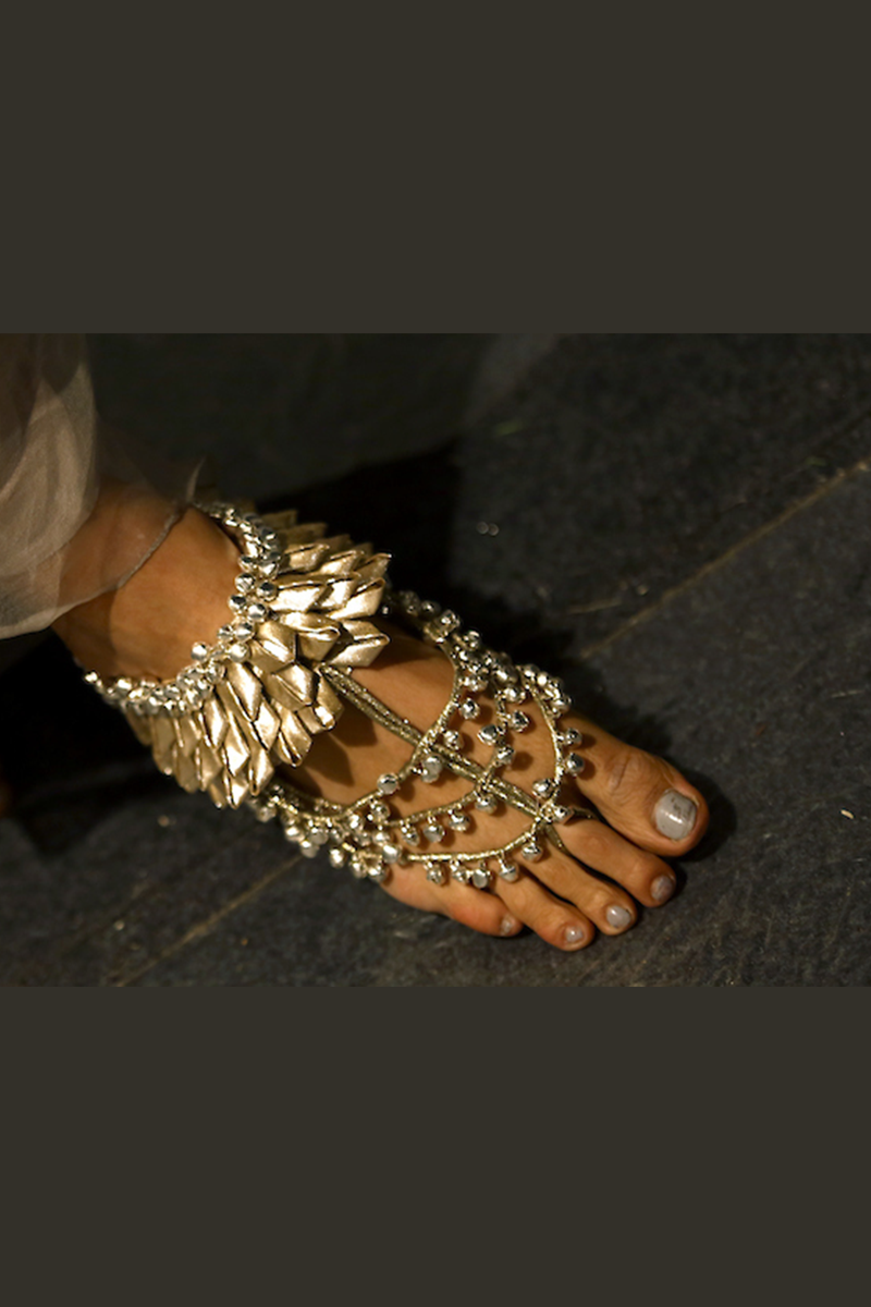 Handcrafted Anklets With Metal Color Fabric And Ghungroo