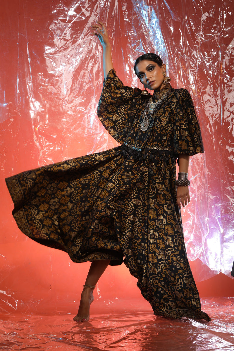 Purva Thakur with Black Gold Jacket With Pant