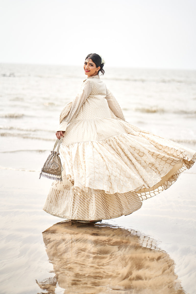 Hanna S Khan in Ivory Embroidered Lehenga Choli Set
