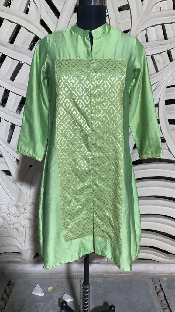 Green Straight Kurta With Square Patch