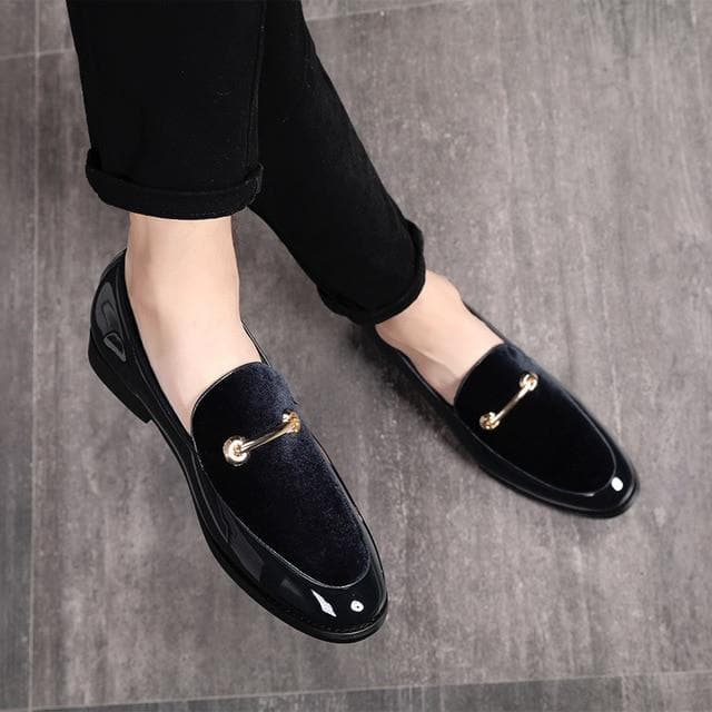 Men's Hot Selling Fashion Pointed Toe High Quality Patent Leather Retro Round Toe Slip-on Loafers