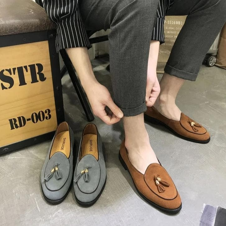 Men's Fashion Italian Style Slip on Pointed Toe Beach Fashion Loafers
