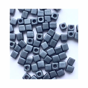 12 grammes of 3mm Cube 2001