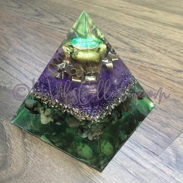 Nephrite Jade & Emerald Orgone Pyramid w/Silver Spiral (PY-009)-HiVibes Collective