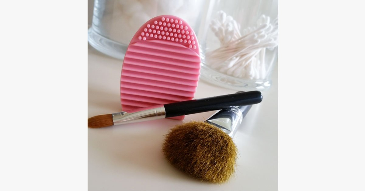 Silicone Makeup Brush Cleaner - Deeply Cleanses Your Makeup Brushes Without Damaging Them!
