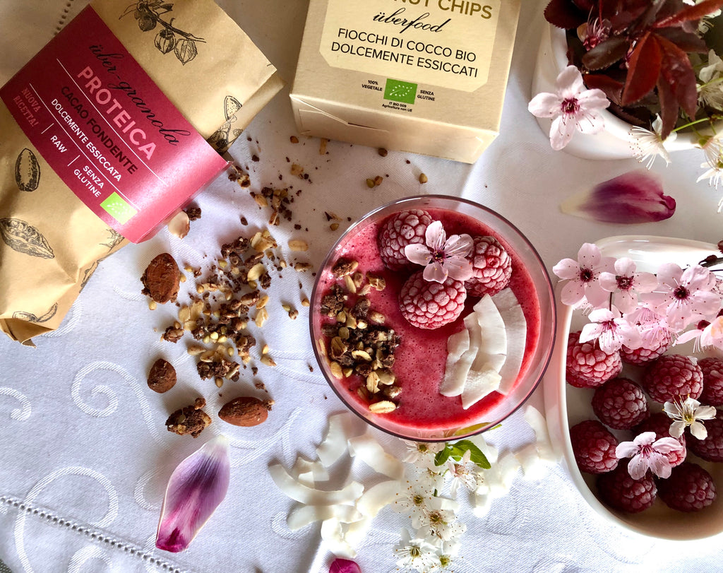 smoothie bowl fragole lamponi cocco