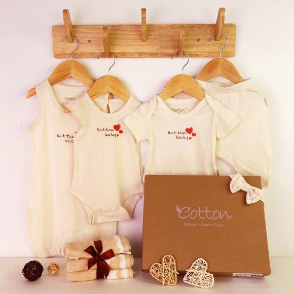 Organic Love Baby Girl Summer Newborn Gift Set